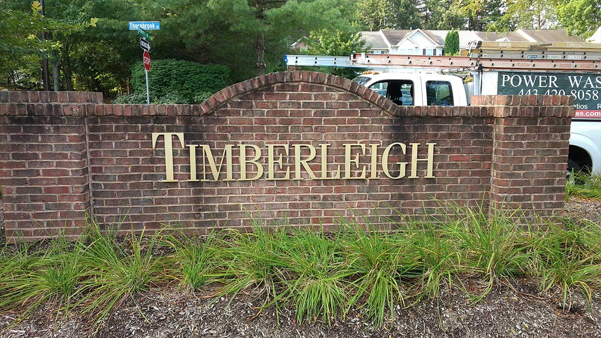 timberleigh-pressurewash-before